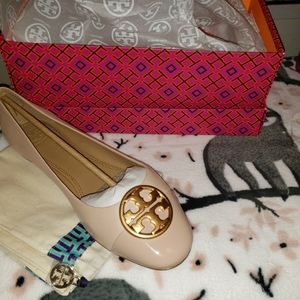 Nwt Tory Burch size 9.5 flats gown sand